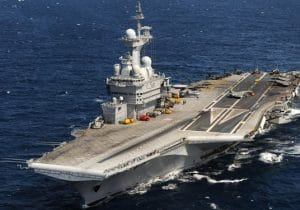 ناو هواپیمابر «شارل دوگل» فرانسه در شرق مدیترانه مستقر میشود