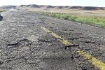ترمیم جاده قدیم ساوه حدفاصل پرند/پل رودخانه شور به حال خود رها شده است